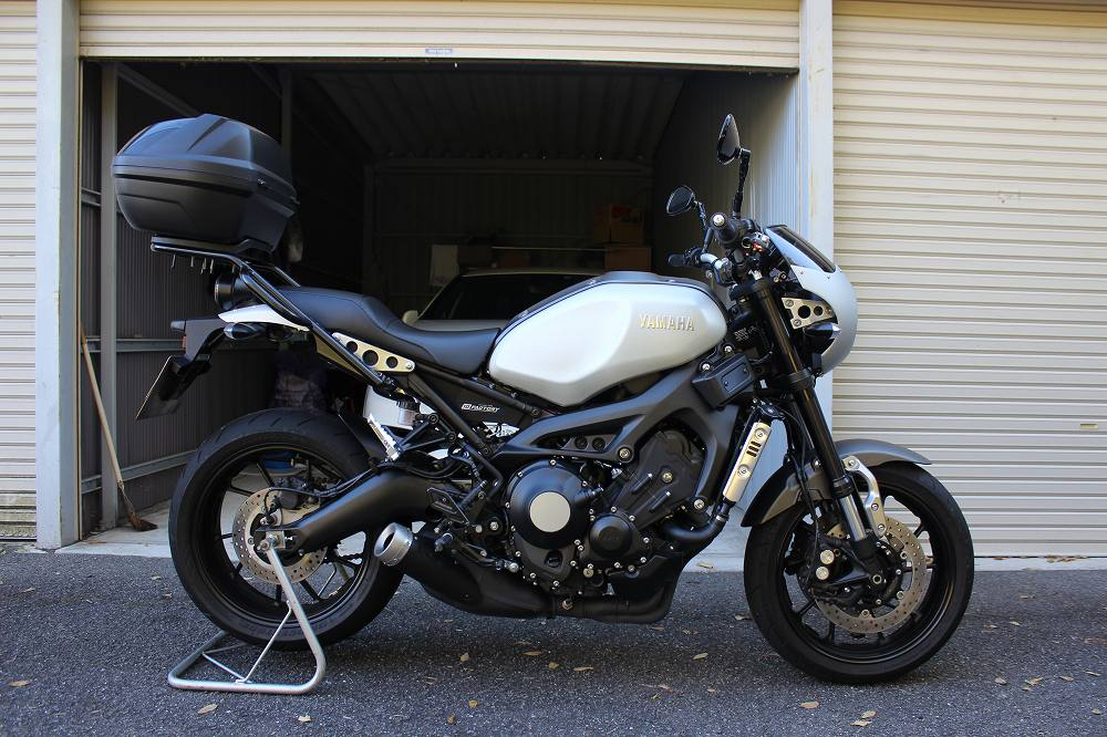XSR900ローシートAステッチ【S-8302A】KandH
