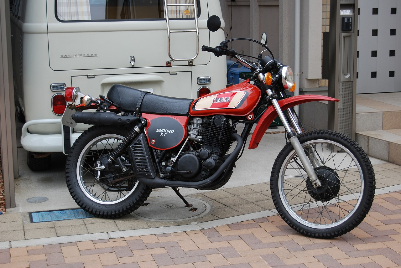 YAMAHA1976XT500ブリックレッド