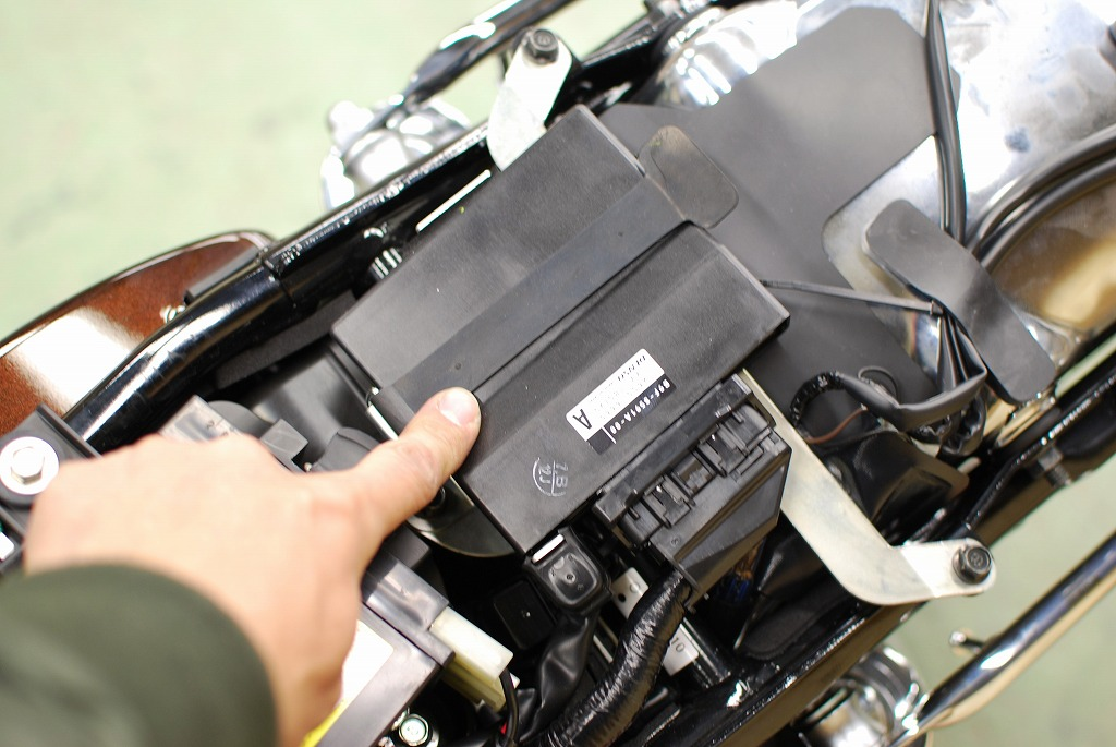 エンジンコントロールユニット-アセンブリ