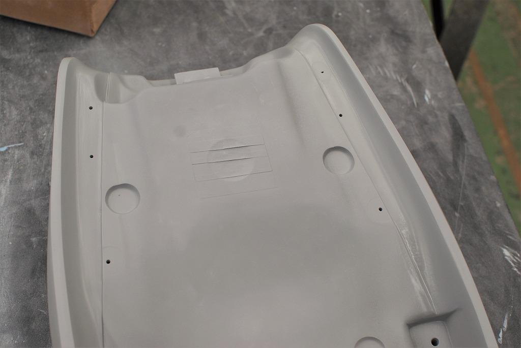 xsr900k&hシートーベースのレザーカットの溝堀り