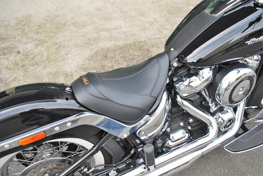 k&hリーチシートをソフテイルデラックスFLDEに装着