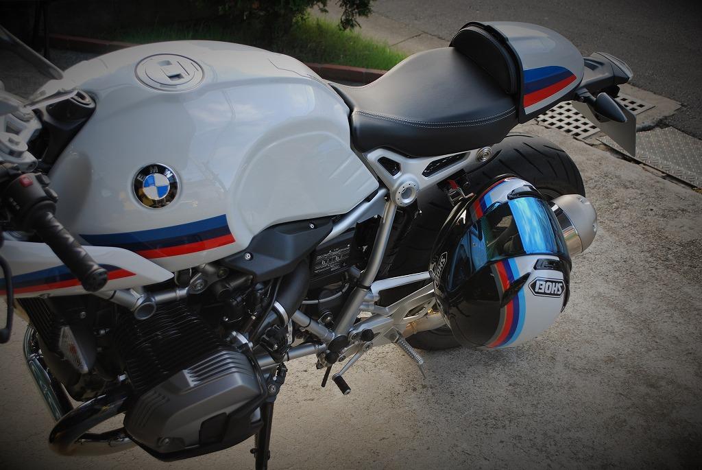 RnineT-RacerとSHOEIヘルメット