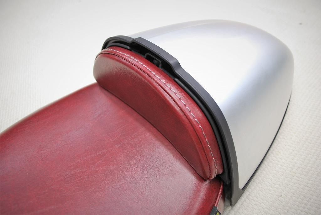 K&Hフロントシート純正ハンプカバーとパッドを赤いレザーにRnineT