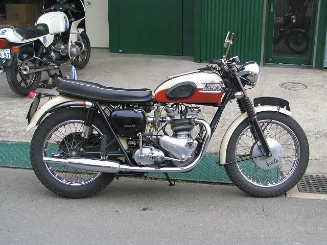 トライアンフ tr-6-triumph-preunit-1960 別体