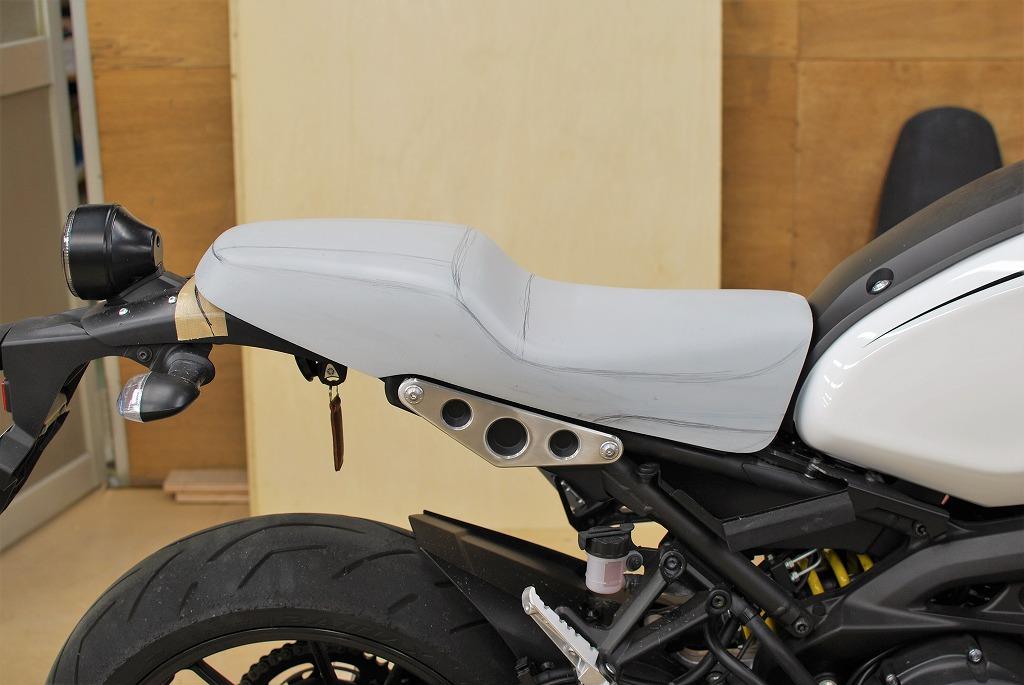 K&Hハイシート原型XSR900ステッチライン