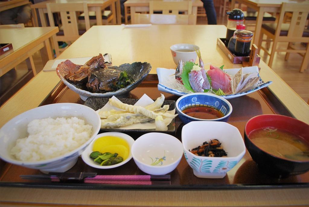 富浦町おさかな倶楽部で彩り定食