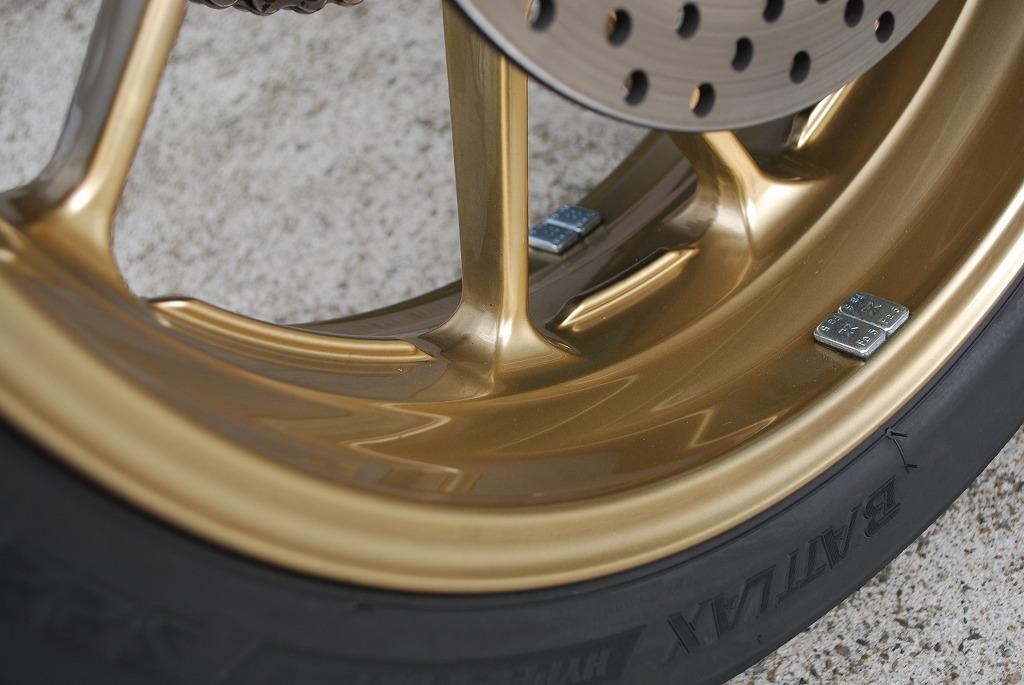XSR900純正ホイールをカドワキコーティングでゴールドにパウダーコーティング